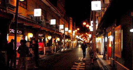 飛田新地、松島新地には沢山の観光客